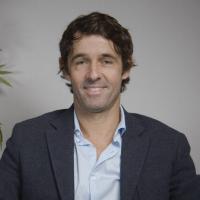 Dr. Ricardo Martins Almeida